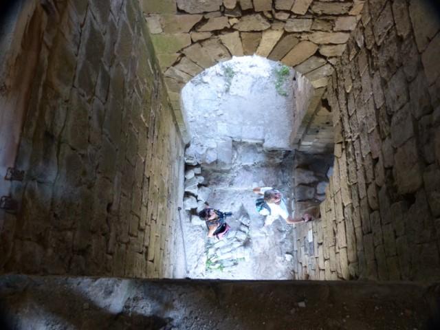Entrée de la forteresse de Penne et son système de défense