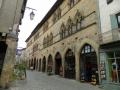 Maison typique de Cordes dans la rue principale
